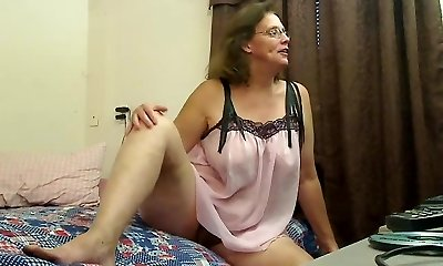 Hairy grannie plays for you