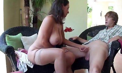 Stepmom Stepson Affair 86 (Mummy Sex Education)