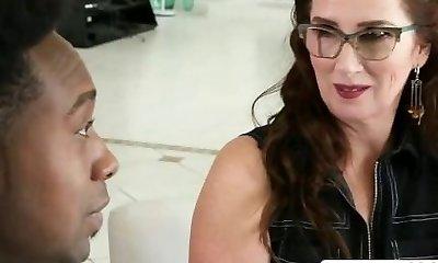 Crumb Not Mom Maria Fawndeli Gives Handjob Good Teenage Sonnie