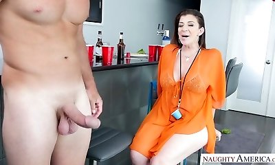 Grubby mature mega-bitch eats pecker on her knees and rides it on top