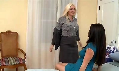Mature woman & Young dame (2)