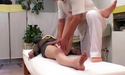 Caught On Gauze! 2 Puddle Behind-the-scenes Moments With Head Doctor Manipulative Perv