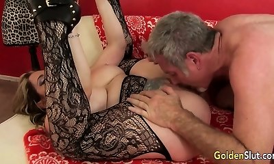 Experienced Tart Savannah Jane Drilled by a Fat Cock