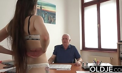 Young Damsel Torn Up by Old Man Office Deepthroat Blowjob