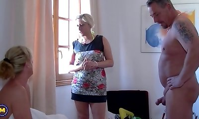 Family sex with crazy mature mothers