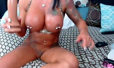 Ashton chick with pierced fuckbox and tits