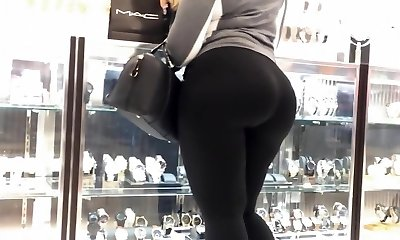 Mummy TELL ME TO FOLLOW MYDREAMS!Latina Cock-squeezing Ass In black spandex