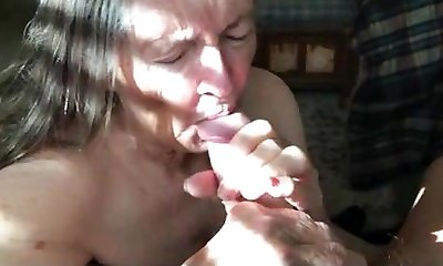 Granny Makes Handjob For Eat Nut-juice 01