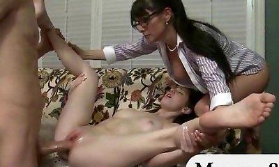 Teenager gets caught sucking off her boyfriend