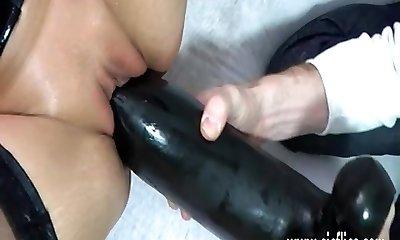 Mature milf fucking a gigantic fuck stick