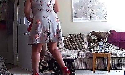 Housewife Cougar Mature Mummy Mum Upskirt - Hacked IP Camera