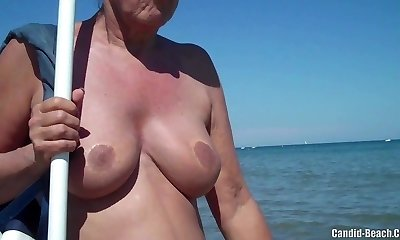 Mature Nudist Milfs Beach Hidden Cam Close-Up Voyeur HD Movie