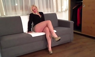 Blonde sexy leg mature milf mummy in high stilettos