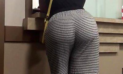 Hefty booty milf - Momba