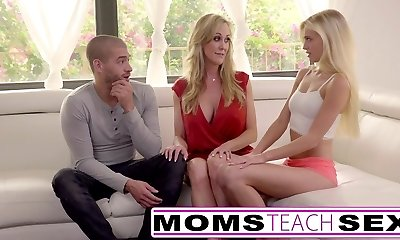 Moms Teach Sex - Giant tit mom catches daughter