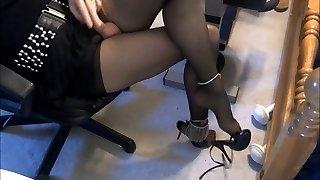 crossdresser sevy has sexy feet & legs, cumshots