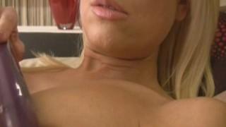 Gorgeous blond pomm Lena Cova Masturbatsioon