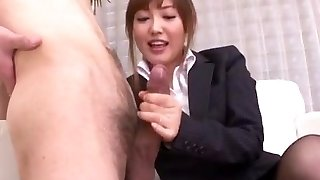 Mami Asakura office seiklus tema boss