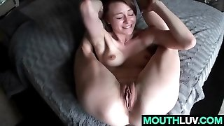 Flexible dame Sage Evans