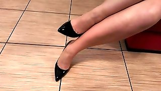 Black high heel fetish with stockings and gams