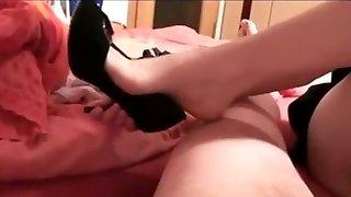 nohy masturbovat, dokud tento stud vyprázdní jeho matice pytel