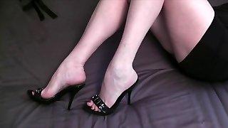 ehefrauen shoejob nohy masturbovat 1