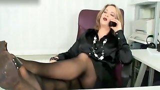 nylon dívka šéf