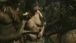 Tribal Trojky s Bielym dievča