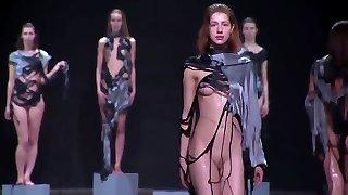 niiske alasti mood näidata... oops!