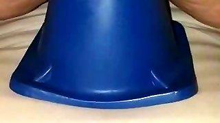 iso sininen lelu lisää
