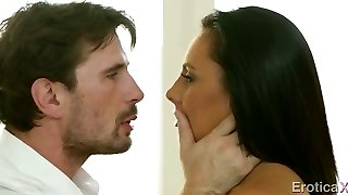 Wonderful honey kissing and giving eager blowjob early in the morning