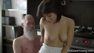 Older Goes Young - Mind-blowing brunette Gerra and her man