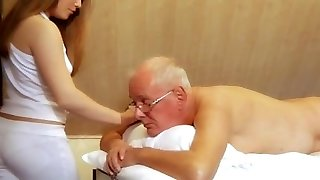 Oldman boinks young masseuse cums in her mouth
