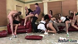 Kinky orgy sesh with stunning lookers