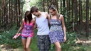 metsikud tüdrukud on naelutamine avalik park võttes ffm 3some