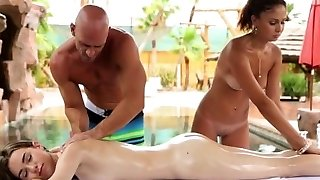 HD PornPros - Kaks tüdrukut kurat mees basseini
