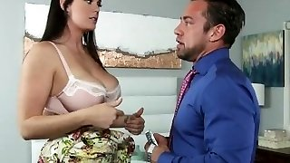 Finicky Mom Alison Tyler Lets Red-hot Sausage