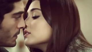 Mera Dil Bhi Kitna Pagal Hain  ¦  Hayat and Murat    ¦ Romantic song 2017.mp4