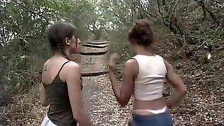 hardcore pummeling mežā