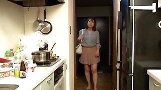 Yui Hatano as Boss Wifey Night Crawling
