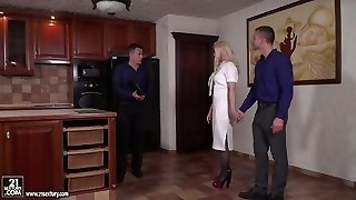 Concupiscent blonde Masha Ray gets sandwiched after horny prick riding