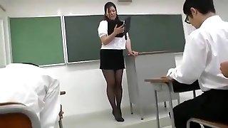 Yuki Sakurai - Seksikas Jaapani Õpetaja 1