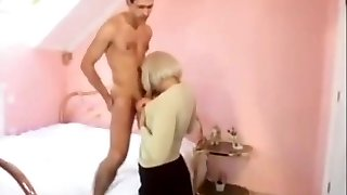 Ugly MILF TAKES IN THE ASS.