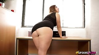 Nasty mommy with great whooty Anna Joy demonstrates her buttocks