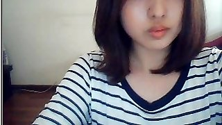 קוריאנית נערה על מצלמת האינטרנט