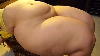 Finest pear shaped BBW ever (slip show)