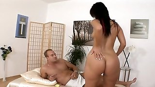 Mind-blowing big ass brunette massage and Blow-job