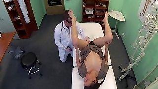 médecin de profiter des's de bureau-d'un collège fille de bilan par packmanns