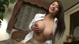 Shapely Japanese hotty gets cumshots