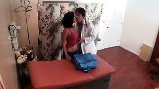 barna hajú egyre fúrt kém kamera terapeuták iroda